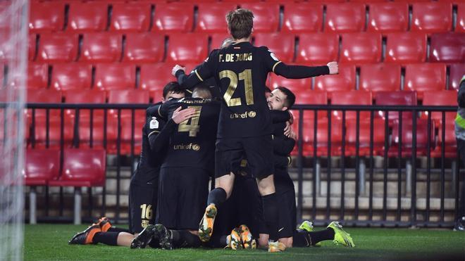 Tremenda remontada del Barça ante el Granada para pasar a semis de Copa