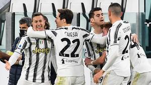 Los jugadores de la Juventus celebran el gol de Morata.