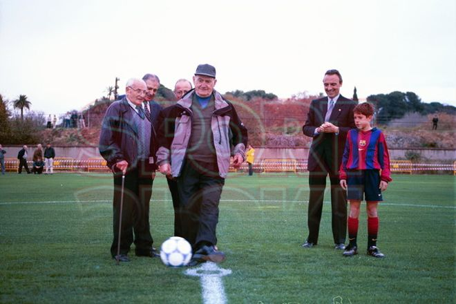 3.Jordi Alba 2000-01