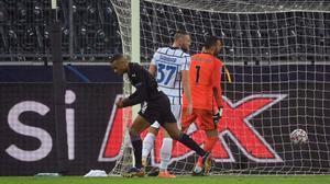 El doblete de Alassane Plea contra el Inter