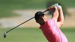 Rory McIlroy arranca como un tiro en Abu Dhabi