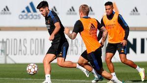 Último entrenamiento del Real Madrid antes del partido ante el Shakhtar