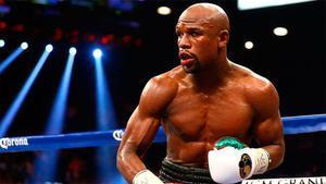 Floyd Mayweather en un combate de boxeo