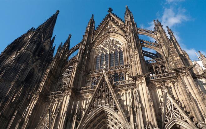 Impresionante fachada de la Catedral de Colonia