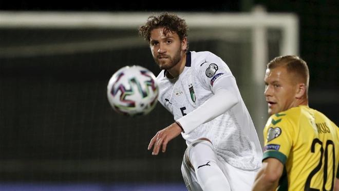 Locatelli, defendiendo la camiseta de la selección italiana