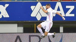 Benzema adelantó al Real Madrid y volvió a ponerse el equipo a la espalda