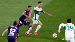 Elche y Valladolid empatan en un duelo por la lucha por la permanencia