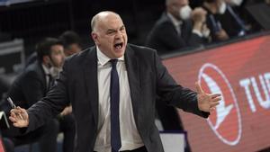 Pablo Laso vivió un agrio debut en los cuartos de final ante el Anadolu Efes