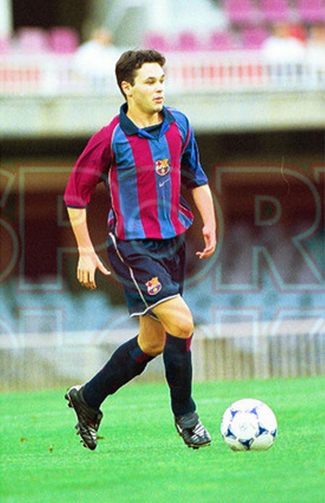 16. Andrés Iniesta 2001-02