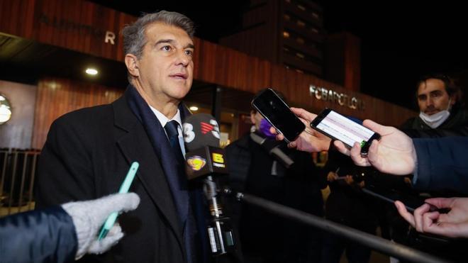 Laporta se pronuncia tras la reunión con la Junta Gestora