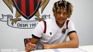 Todibo, en la firma del contrato
