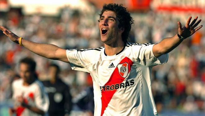 Gonzalo Higuaín tuvo un recordado paso por River Plate
