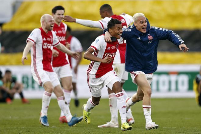 David Neres fue el héroe del Ajax en la final