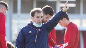Jagoba Arrasate dirige la última sesión de entrenamiento antes de jugar contra el Espanyol