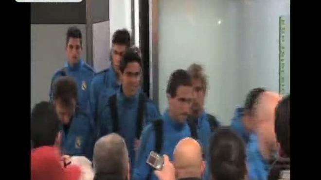 Mourinho: Si De Boer piensa en el clásico, tenemos ventaja