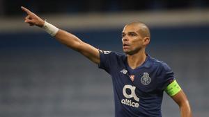 Pepe en el partido de Champions ante el Manchester City
