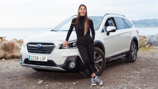 La surfista Garazi Sánchez, doble campeona de España, embajadora de Subaru