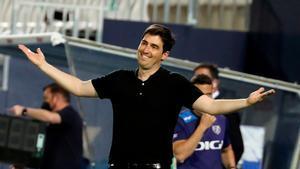 Andoni Iraola, técnico del Rayo, durante el partido ante el Leganés