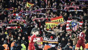 La afición del Atlético se desplazó masivamente a Liverpool y disfrutó de la clasificación