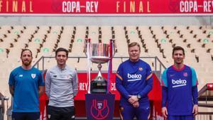Así posaron los entrenadores y los capitanes con la Copa del Rey