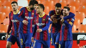 El Barça sale vivo de Mestalla