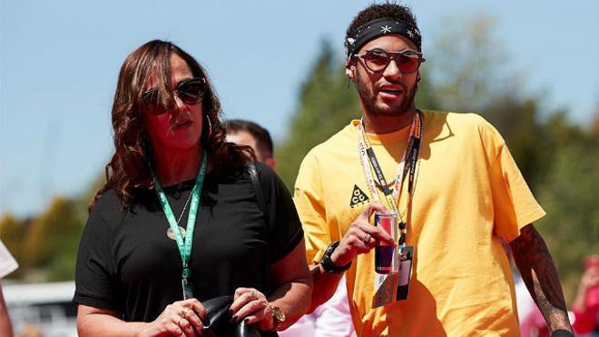 La família de Neymar se encuentra en Barcelona