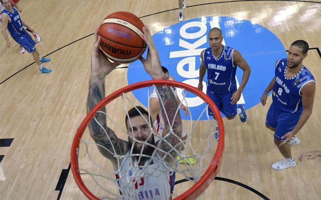 Serbia ganó sin problemas a Finlandia