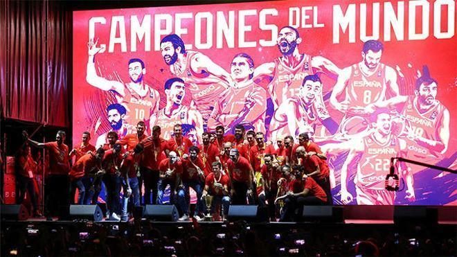La selección celebra el Mundial en Madrid