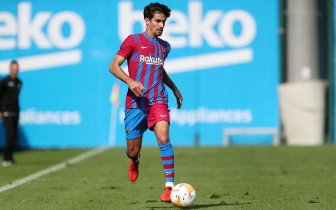Álex Collado participó en el partido contra el Cornellá