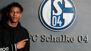 Todibo, cedido al Schalke 04