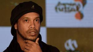Ronaldinho iría a por Coutinho para cubrir la baja de Neymar