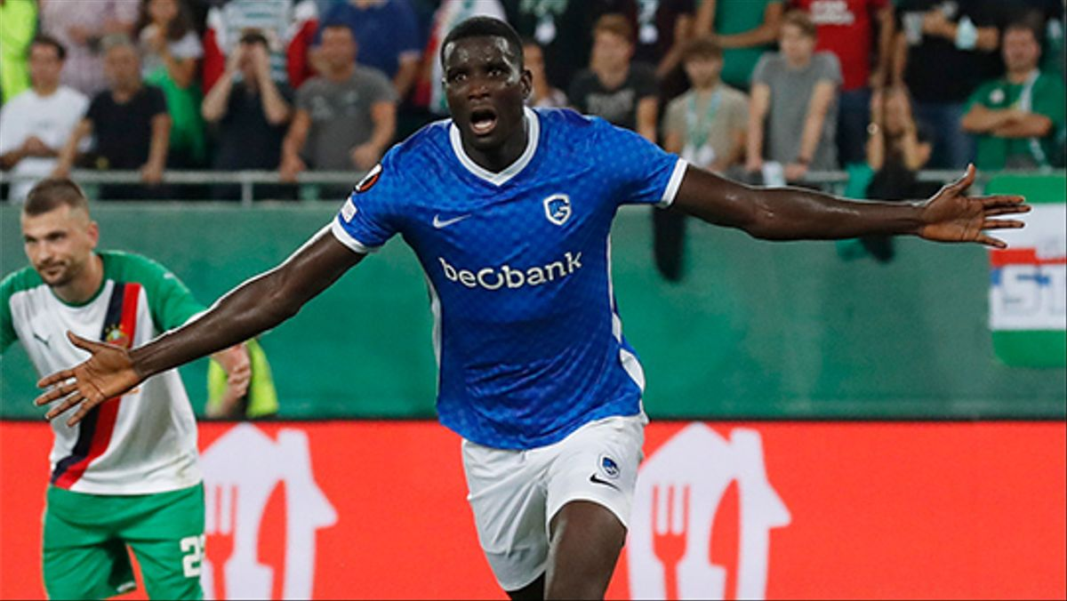 El gol de Paul Onuachu al Rapid Viena
