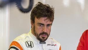 Alonso tuvo que abandonar
