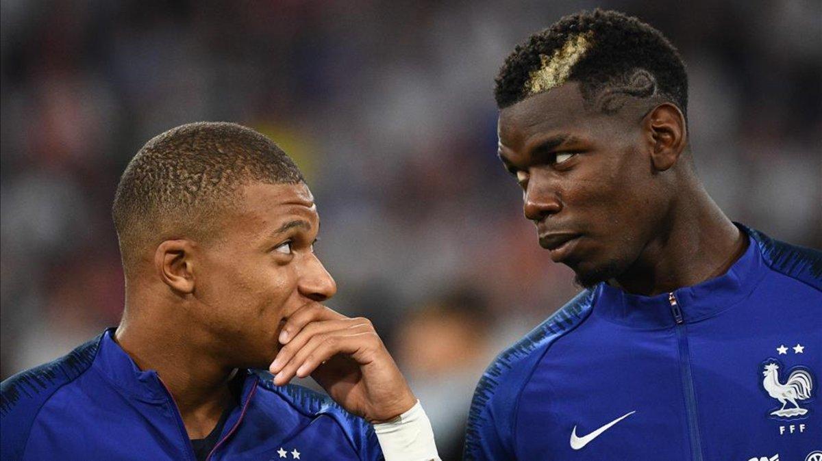 Kylian Mbappé y Paul Pogba en un partido con la selección francesa