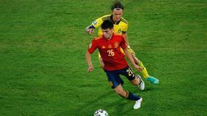 Pedri, durante el partido ante Suecia