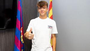 Nil Calderó firma su continuidad con el FC Barcelona