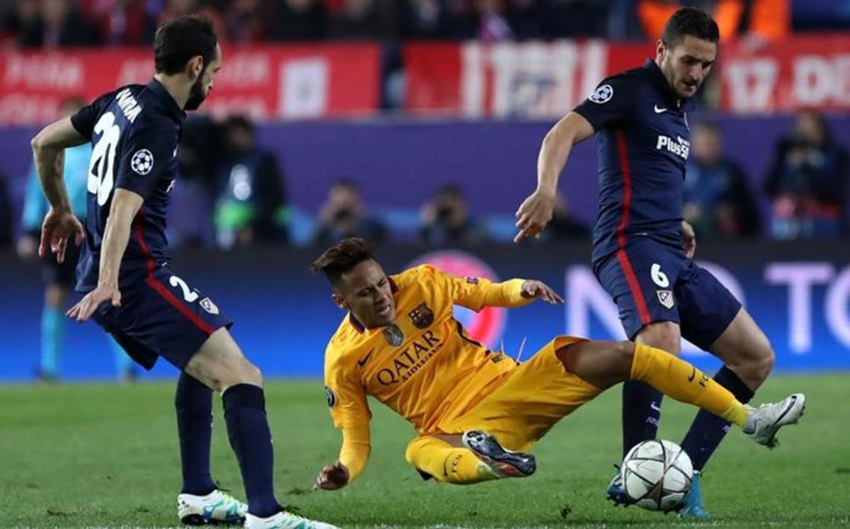Los jugadores del Atlético presionaron mucho a los del Barça