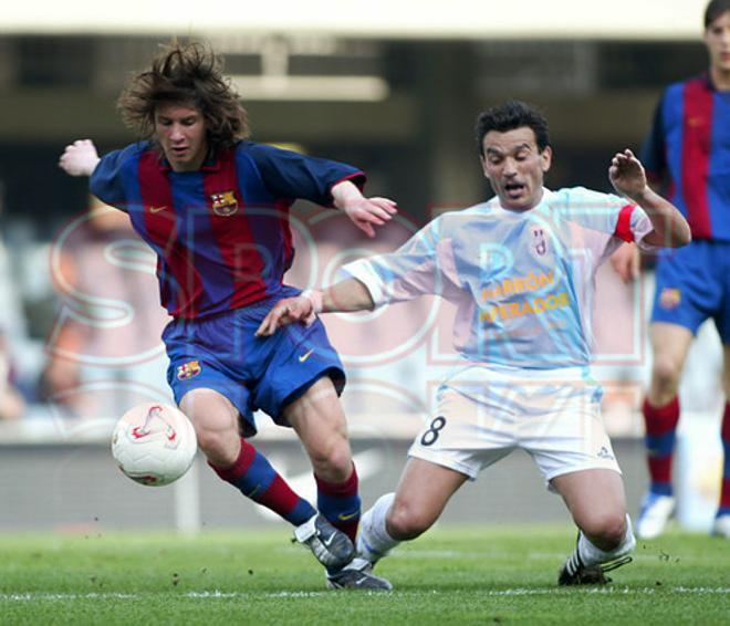 13.Leo Messi 2003-2004