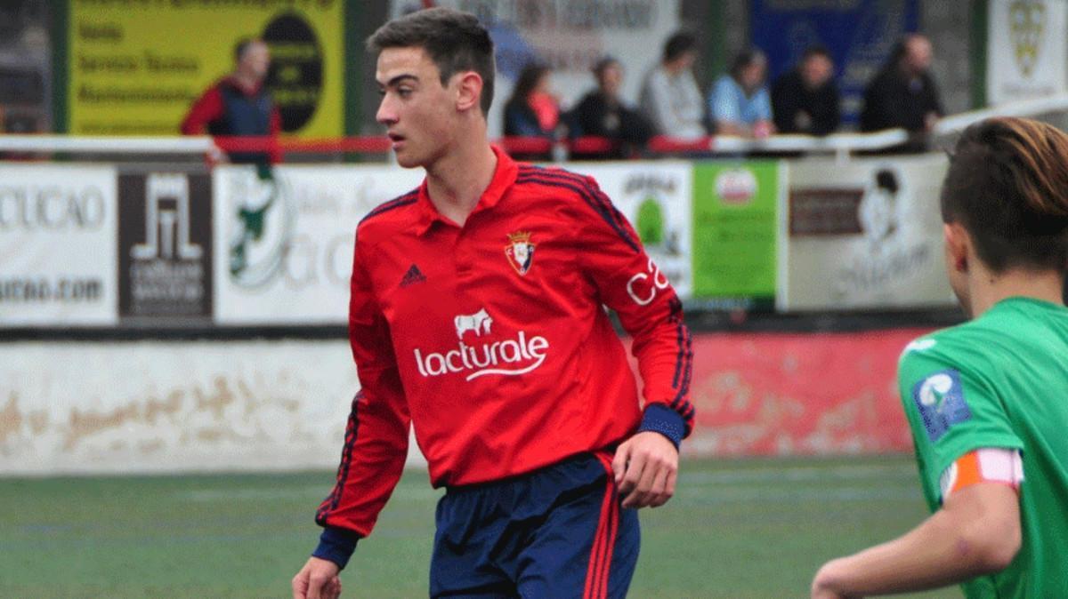 Iker San Vicente, en un partido con Osasuna