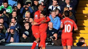 Suárez y Coutinho compartieron grandes momentos en el Liverpool