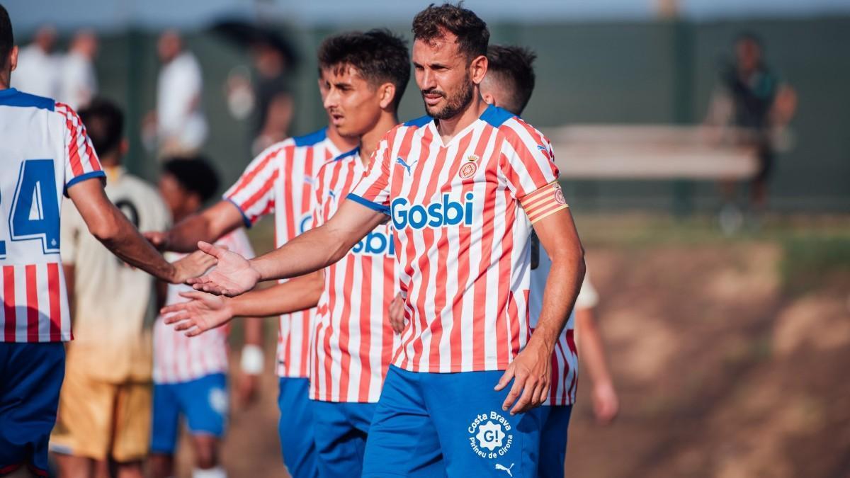 Stuani marcó dos goles contra el Espanyol B