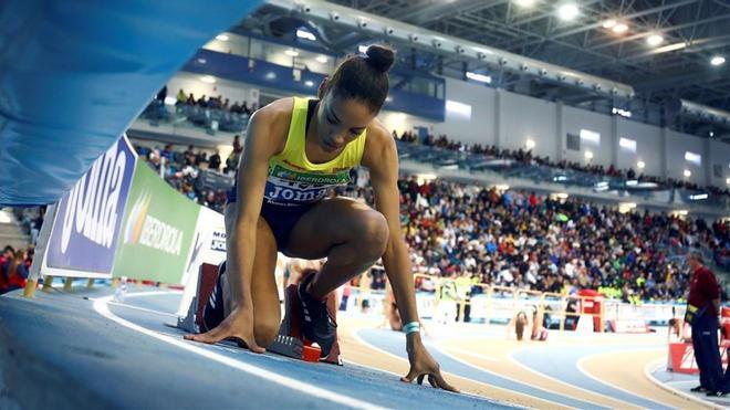 Salma Paralluelo (15 años) fue tercera en 400 en el Nacional bajo techo