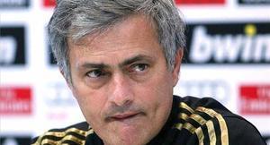 Mourinho tiró balones fuera sobre el derbi