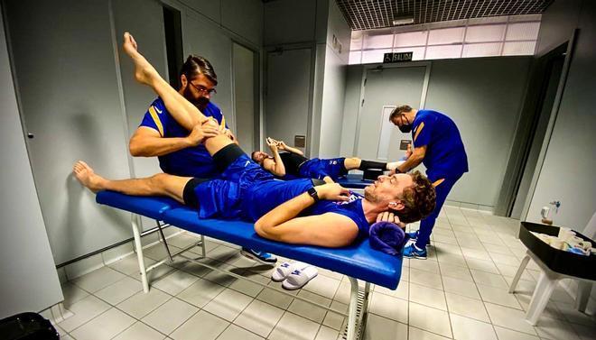 Recibe tratamiento de los fisios del Barça para mantener el buen tono muscular