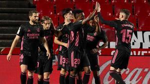 El Real Madrid a dos puntos del líder