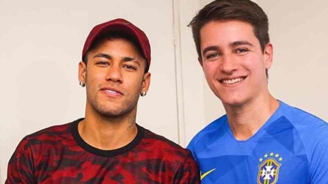 Neymar, junto al fotógrafo