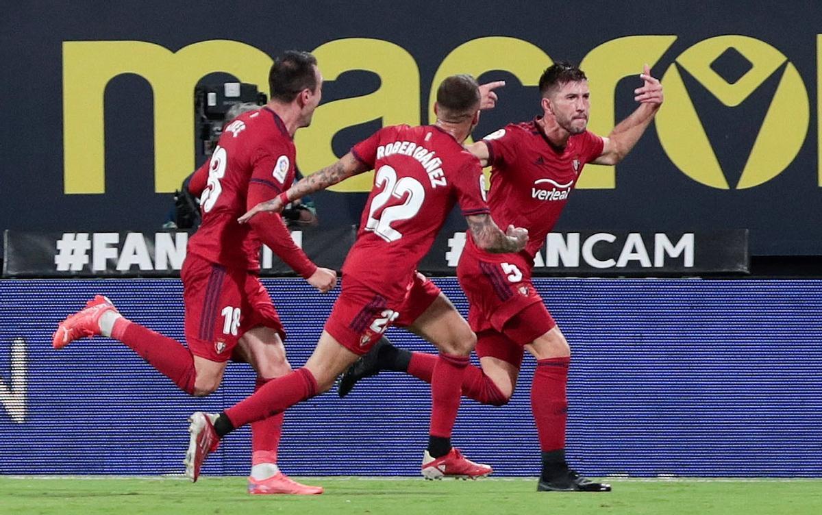 Jugadores del Osasuna celebrando un gol