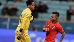 Pedro Gallese mejoró en el torneo llegando a tener su mejor partido contra Chile