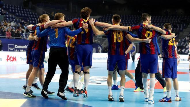 Los jugadores celebraron con euforia el título