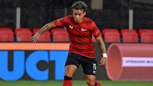 Darío Sarmiento durante un partido de Estudiantes